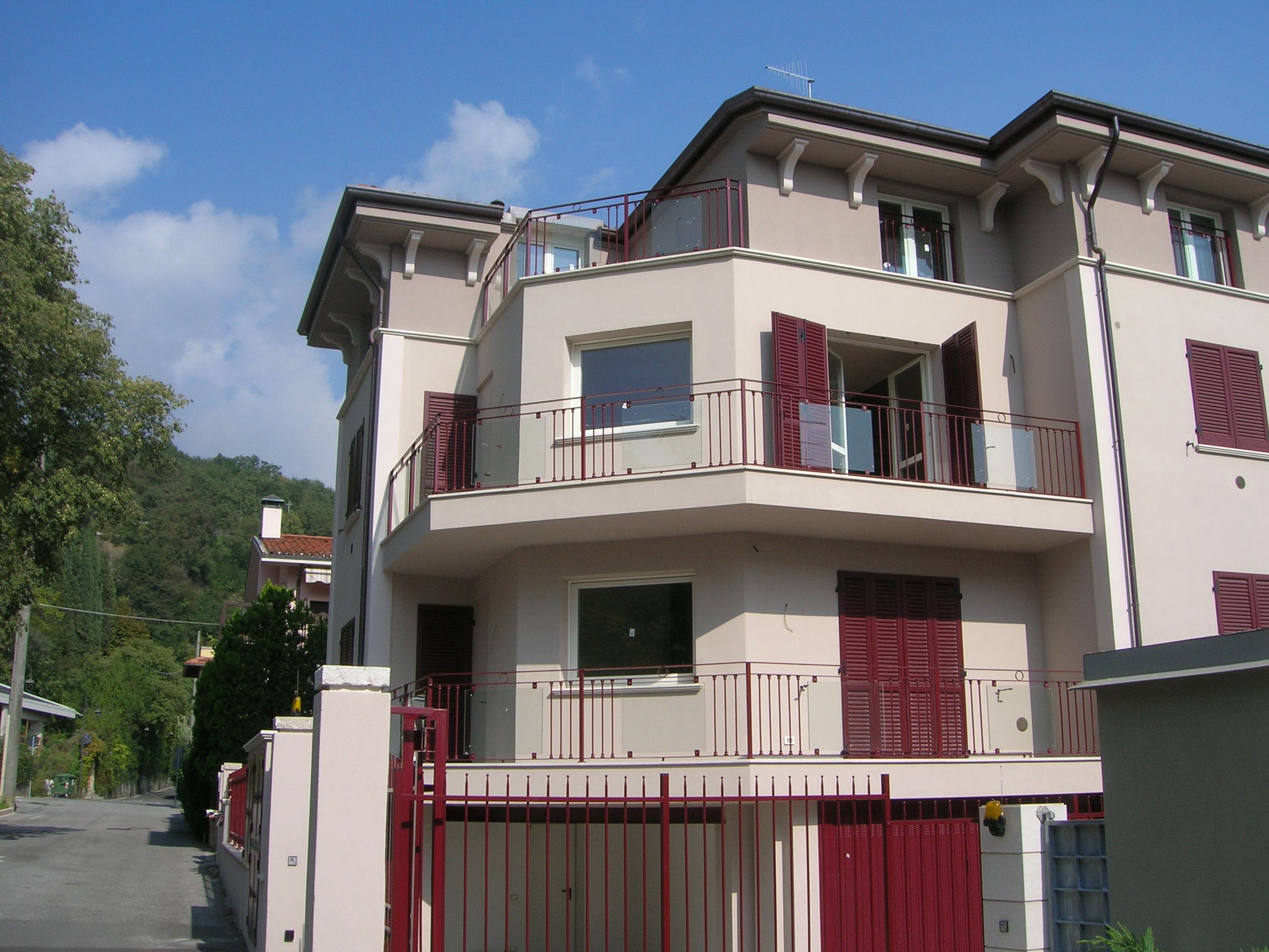 Prestigioso appartamento in vendita a sal for Costo per costruire garage per 2 auto in allegato