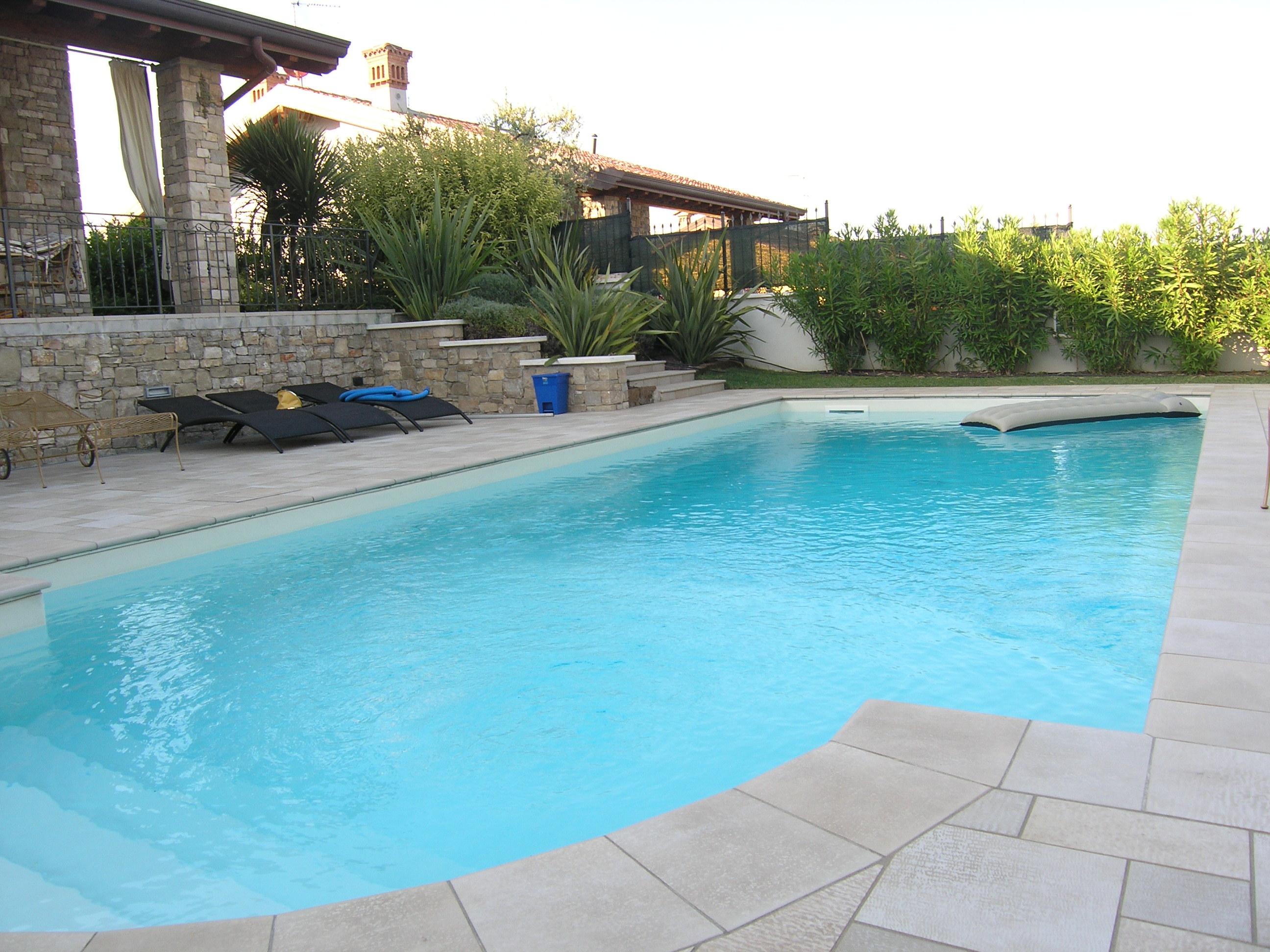 Villa in vendita a manerba del garda - Hotel manerba del garda con piscina ...
